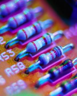 Electrónico de mantenimiento y reparación